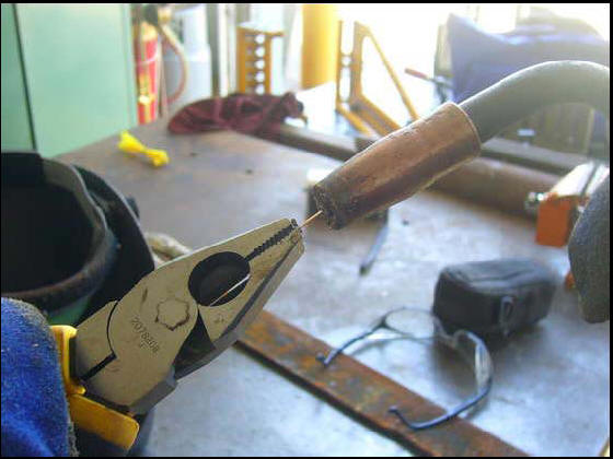 Fixing a MIG welding torch tip